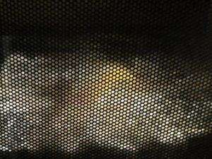 メダカプラバンを焼いてるシーン